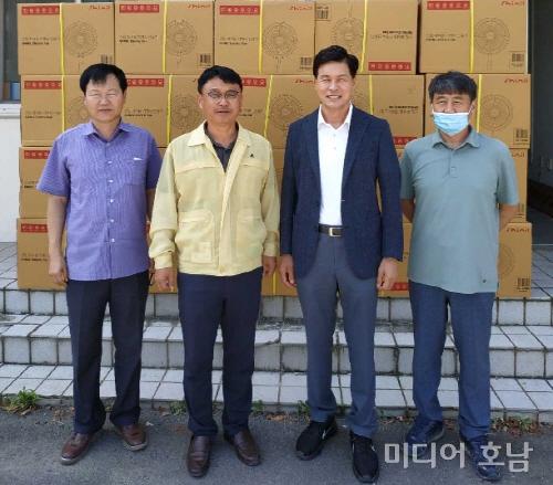 이민준 도의원, 나주 다시면 수해지역 찾아 구호물품 전달